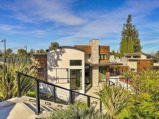 NEW! Luxe Family-Friendly Los Altos Getaway w/Deck