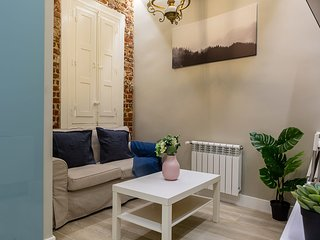 Cosy 2bed Apt in Chamberí, 2mins to tube!