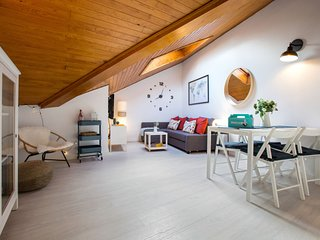 Lovely and chic 1 Bedroom Apt next to Puerta del Sol