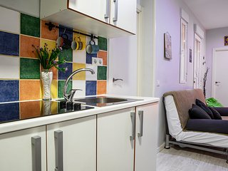 Cozy Sleeps 6 in Madrid City Center - 3 min from tube
