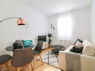 Lovely 2Bed Flat nr Park El Retiro, 3mins to metro