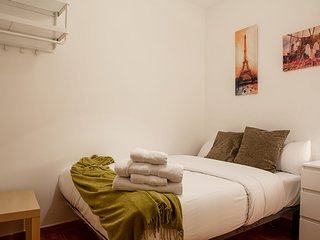 Lovely 2 Bed Apt next to Retiro