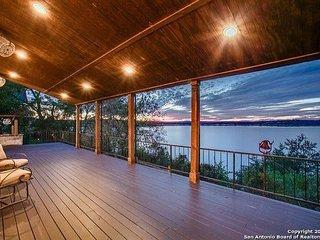 180 degree view of Canyon Lake! Upscale luxury awaits!