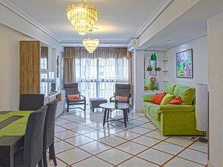 Amplio y cómodo apartamento con buena ubicación junto a Murallas de La Macarena