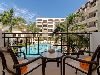 212-Reduced Rates - Cozy Condo with Beautiful Pool and Garden Views