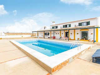 Beautiful home in Bollullos del Condado w/ Outdoor swimming pool, Outdoor swimmi