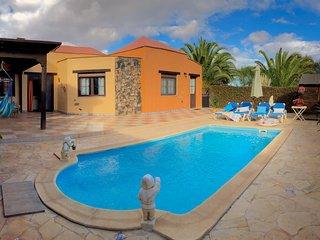 Villa Maravilla, piscina privada climatizada, 6 personas!