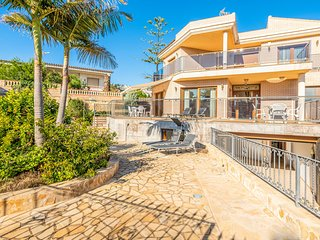 Nice home in Peniscola with WiFi, Outdoor swimming pool and 4 Bedrooms (EBA187)