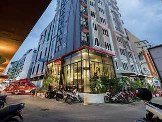H ❀ 2 connect room for 4 adults Buriヅresort with roof top pool-center location ❀