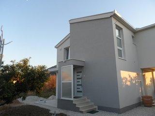 One bedroom apartment Opuzen, Neretva Delta - Usce Neretve (A-18070-a)