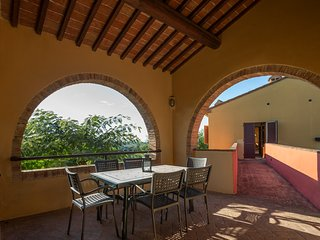 Three-room apartment in agriturismo with pool and panoramic view -Tenuta Moriano