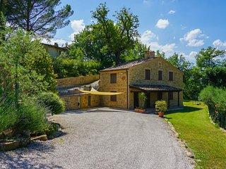 Casa di campagna con due camere e piscina