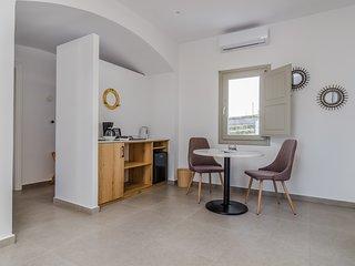 NEW Iphigenia Suite Sea View - Jacuzzi & Free Breakfast