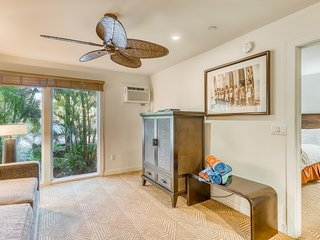 Perfectly located unit with multiple pools, hot tub & A/C