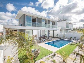 Protaras Olivine Villa OL26, 3 Bedroom with pool in the center