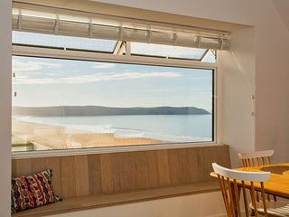 WOOLACOMBE SUNNYSIDE APARTMENT | 2 Bedrooms - A fresh and vibrant modern holiday
