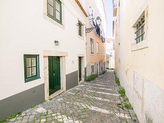Nomads Lisbon Castello Flats Studio