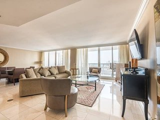 Downtown Miami 54 | Premium 2BR Waterfront Condo-Hotel w/Free Valet Parking