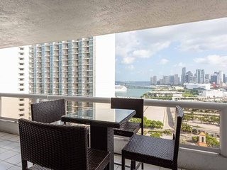Downtown Miami 55 | Premium 2BR Waterfront Condo-Hotel w/Free Valet Parking