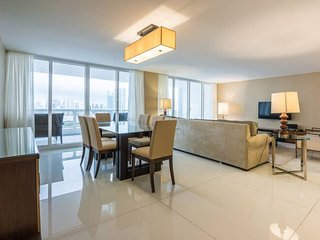 Downtown Miami 55 | Deluxe 2BR Waterfront Condo-Hotel w/Free Valet Parking