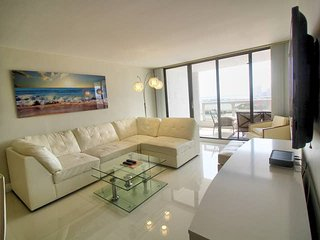 Downtown Miami 2052 | One Bedroom City View + Free Valet Parking