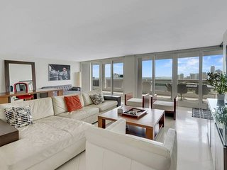 Downtown Miami 3854 | Monthly Rental 40% Off | Two Bedroom Waterfront Condo