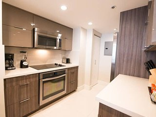 Downtown Miami 41 | Luxury 2BR Waterfront Condo-Hotel w/Free Valet Parking