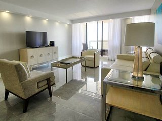 Downtown Miami 31 | Luxury 2BR Waterfront Condo-Hotel w/Free Valet Parking