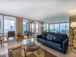 Downtown Miami 57 | Premium 2BR Waterfront Condo Hotel w/Free Valet Parking