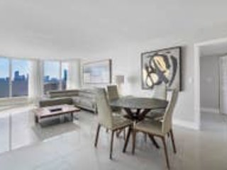 Downtown Miami 45 | Luxury 2BR Waterfront Condo-Hotel w/Free Valet Parking