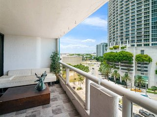The Grand Miami | One Bedroom Bay/Park View Suite 49 + Free Valet Parking