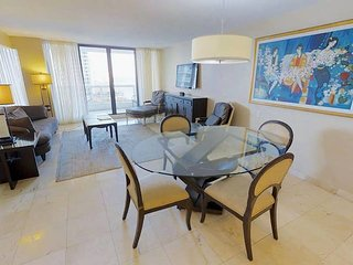 Downtown Miami 50 | Premium 2BR Waterfront Condo-Hotel w/Free Valet Parking