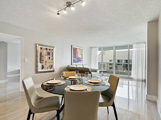 Downtown Miami 44 | Deluxe 1BR Waterfront Condo-Hotel w/Free Valet Parking