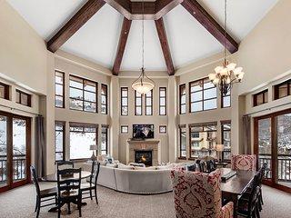 Penthouse Mountain: Hyatt Centric + Concierge Services