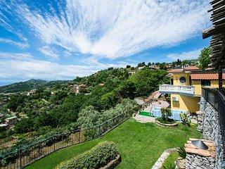 Torca Villa Sleeps 8 with Pool Air Con and WiFi - 5828323