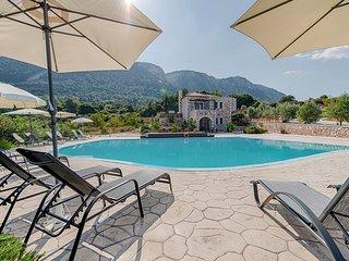 Orange Villa - Salakos