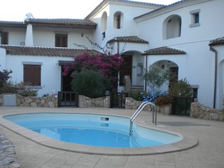 Appartamento con piscina, Wi-fi,Tv satellite,aria condizionata,5 posti