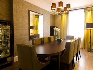 Three bedroom Presidential Suite, 3 double bedrooms each with an en-suite.
