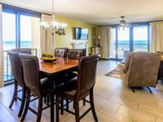 Wind Drift unit 207 Beach Front~Custom Decorated 3 bedroom 3 Bath Condo