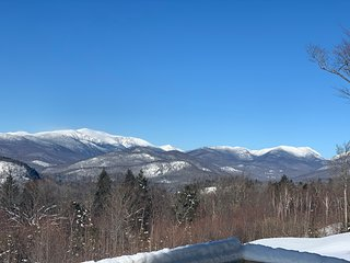 Best Panoramic Mountain Views w/ Direct Mt. Washington - 1 Mile to Storyland