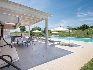 Stunning home in Montecastrilli w/ WiFi, 7 Bedrooms and Outdoor swimming pool (I