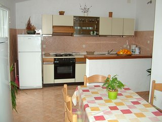 Holiday home 142733 - Holiday apartment 123908