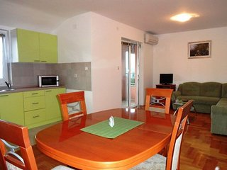Holiday home 160865 - Holiday apartment 185166