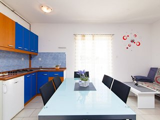 Holiday home 142064 - Holiday apartment 125563