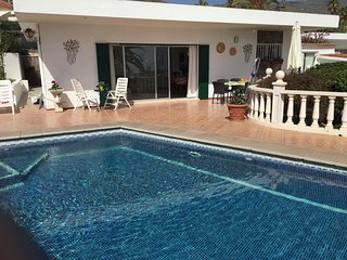 Detached villa, Private pool, 10 minute drive to beach Los Cristianos, Tenerife