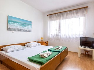 Awesome apartment in Dugi Rat w/ WiFi and 1 Bedrooms (CDC291)