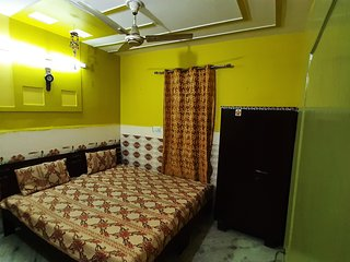 Well Furnished Independent Space near Delhi International Airport (20kms)