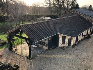 Maple Tree Gite. Sympathetically renovated stable and bread oven.