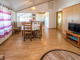 Holiday home 154921 - Holiday apartment 146974
