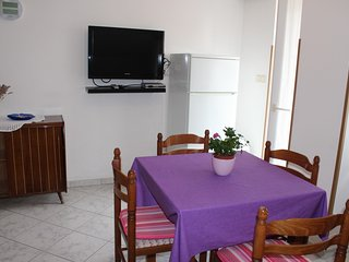 Holiday home 181539 - Holiday apartment 206370